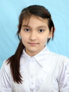 """Аристанова Виктория Мария (староста 4 """"А"""" класса)"""