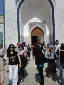 Выход из музея Аль-Бухари