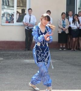 Национальный танец Хабибуллаева Лобар 8Б