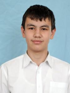 """Хакимов Азизбек (староста 7 """"Б"""" класса)"""