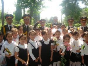 с участниками военно-духового оркестра