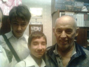 ученики 8А и Дмитриев Борис