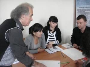 Ишмухамедов Р.Д. делится опытом с учителями (2012)