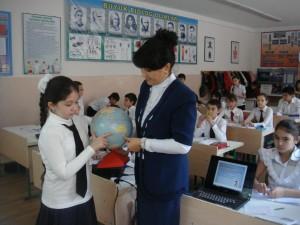 """Расулова Д.И. на уроке географии (5 """"А"""")"""